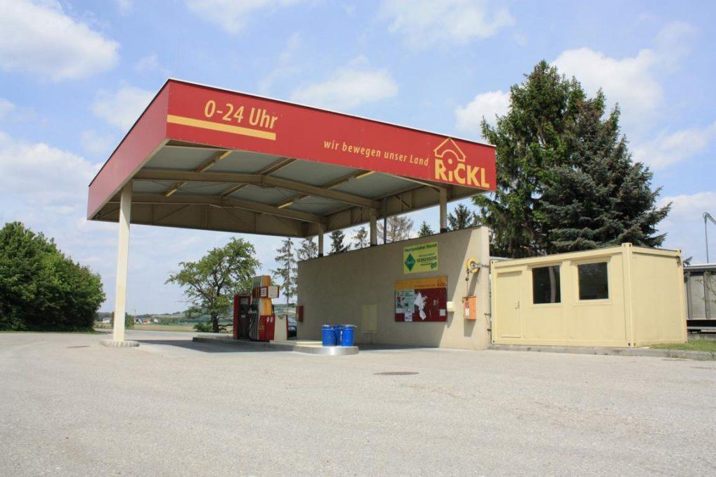 Tankstelle aktueller Diesel und Benzin Preis